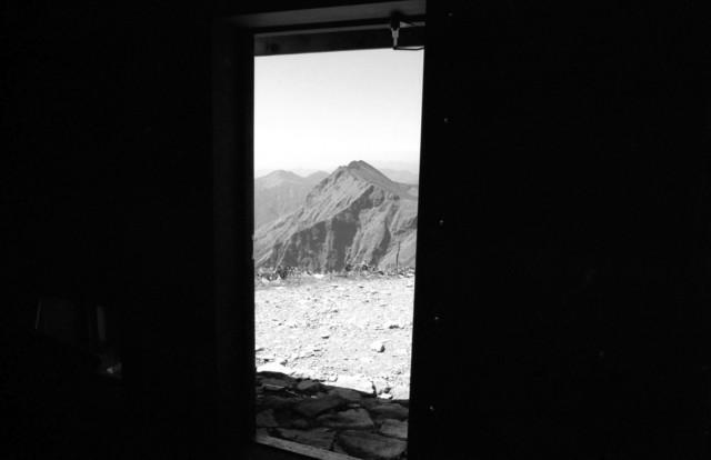 谷川岳肩の小屋02.jpg